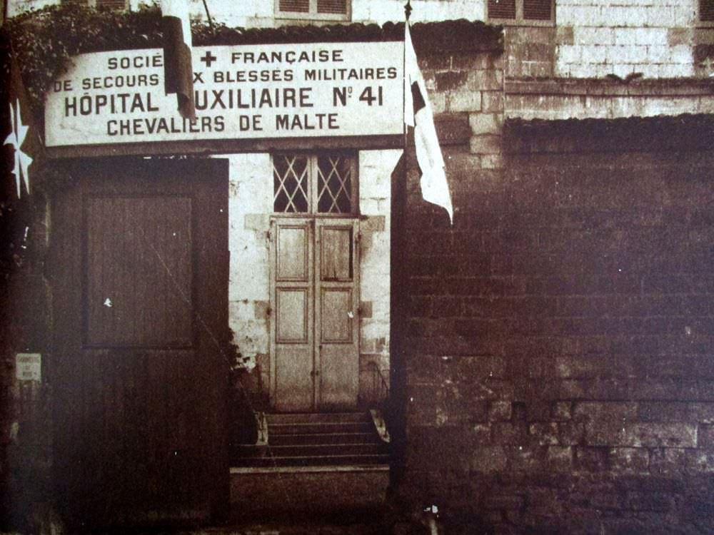 images/Histoire_Timeline/1914-1918-hopitalauxiliairedelassociationfrancaise.jpg